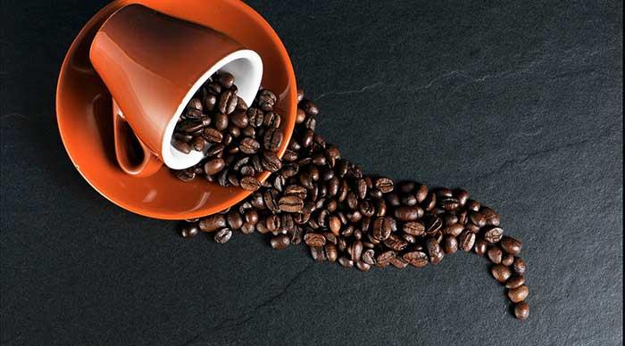Rauchen aufhören - Die Gewohnheit beim Kaffeetrinken